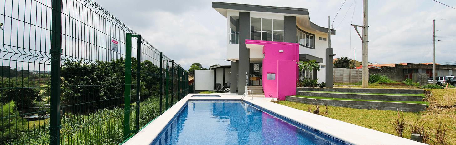 Condominio con piscina en Lagunilla de Heredia