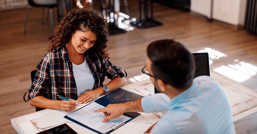 Firma de documentos para comprar casa